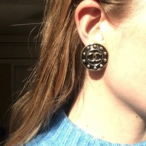 Vintage Chanel clip on earrings
